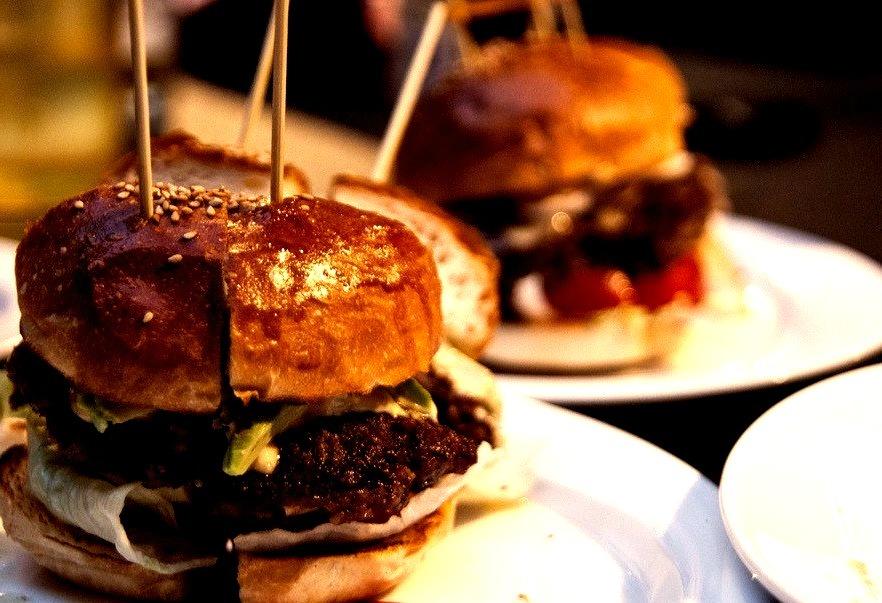 Hamburger (by shogo.koizumi)