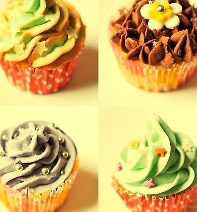 I did a cupcake class last weekend. (by .betty b.) http
